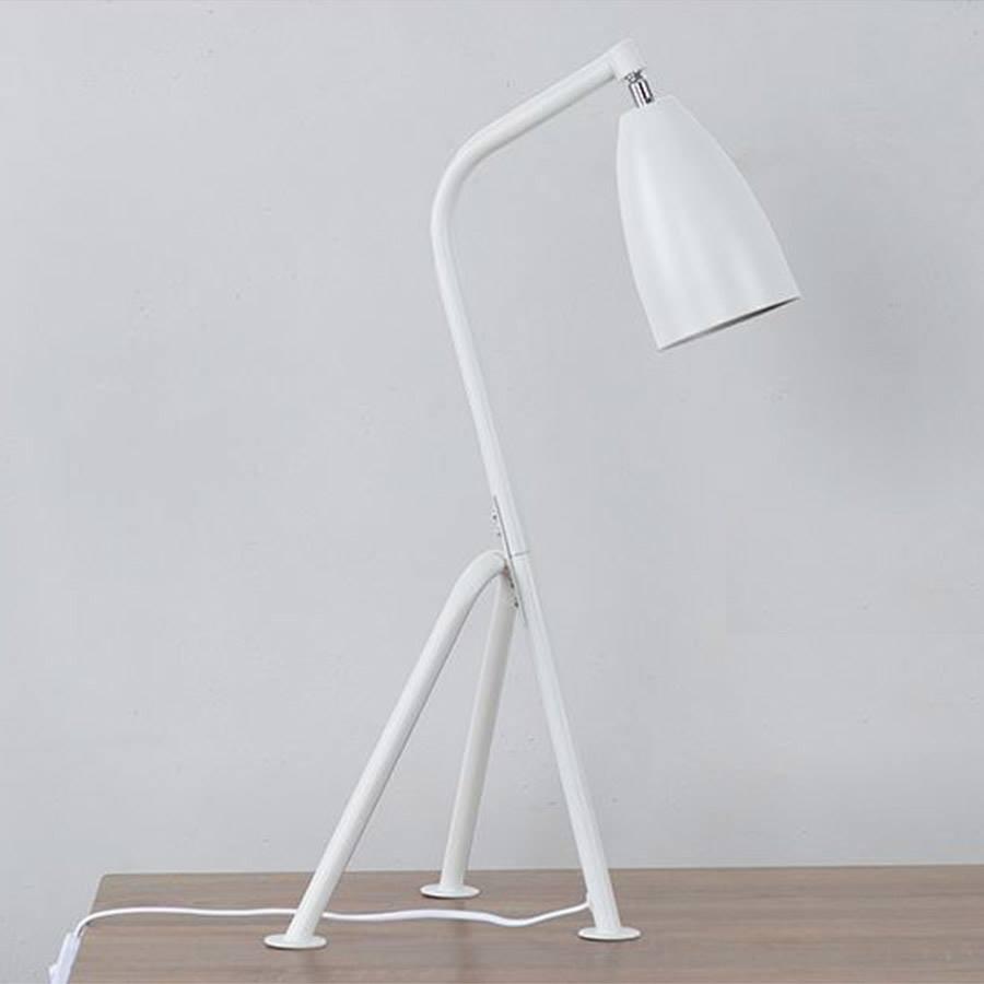 Đèn bàn cao cấp kiểu dáng thiết kế 3 chân DB004 - Kèm bóng LED CAO CẤP