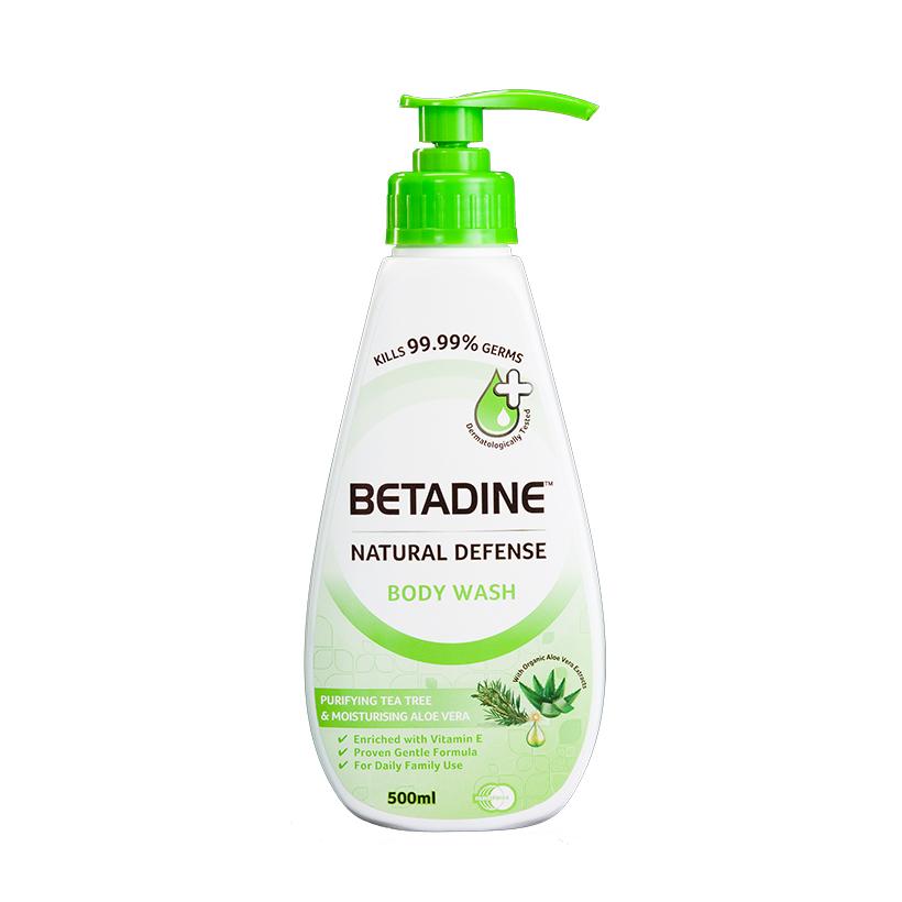 Sữa tắm kháng khuẩn Betadine chiết xuất trà xanh và lô hội chai 500ml