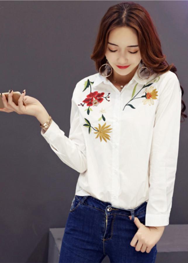 Áo nữ trắng thêu hoa