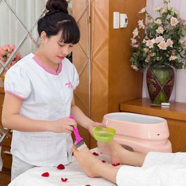 (HN) Đắp ủ parafin dưỡng da tay chân mềm mịn tại Sài Gòn Xinh Spa