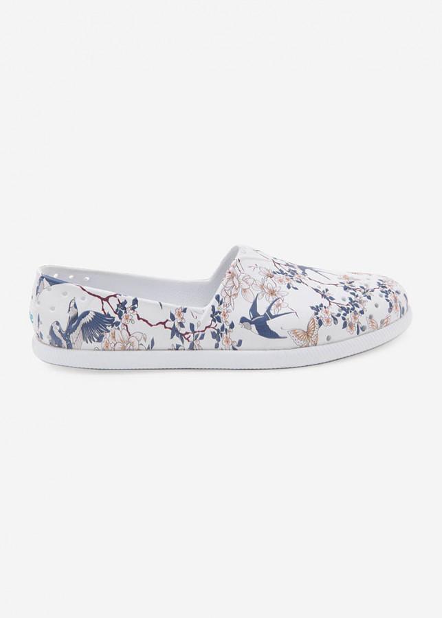 Giày Lười Unisex Native AD VERONA PRINT (111018018630) SHELL WHITE/ SHELL WHITE/ HIRONDELLE PRINT