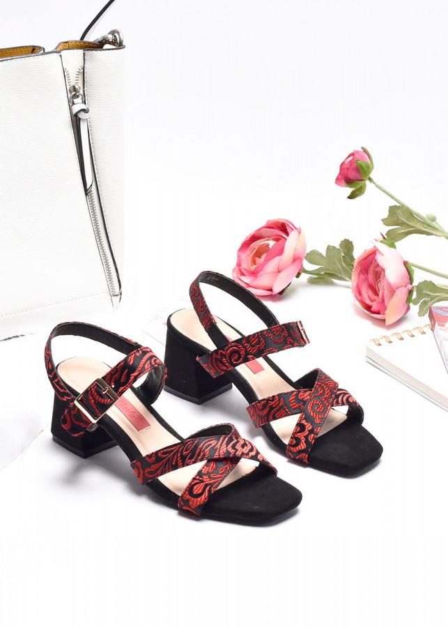 Giày sandal quai chéo Merly 1132 - 1935585 , 8499516502085 , 62_13012018 , 310000 , Giay-sandal-quai-cheo-Merly-1132-62_13012018 , tiki.vn , Giày sandal quai chéo Merly 1132