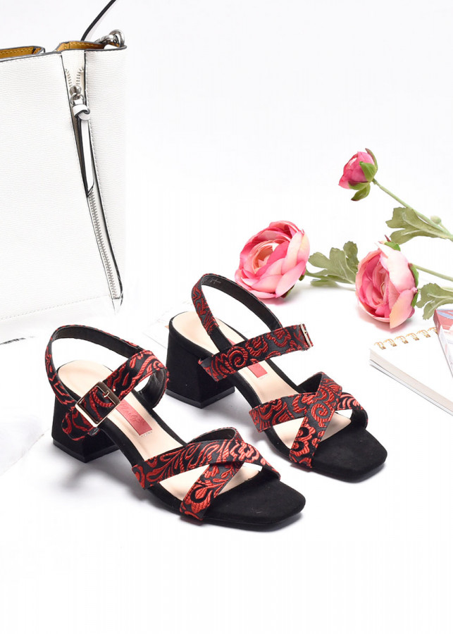 Giày sandal quai chéo Merly 1132 - 1935583 , 1336541415089 , 62_13012014 , 310000 , Giay-sandal-quai-cheo-Merly-1132-62_13012014 , tiki.vn , Giày sandal quai chéo Merly 1132