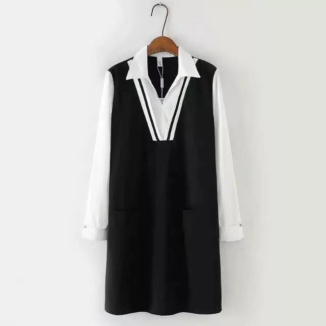 Váy bầu đen phối tay trắng cổ đức