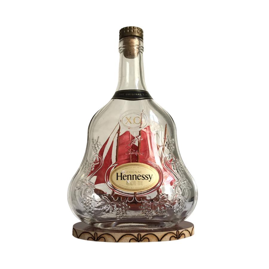 Mô hình thuyền gỗ trong chai Hennessy X.O N1 - 1310358 , 7369066197592 , 62_6396663 , 365000 , Mo-hinh-thuyen-go-trong-chai-Hennessy-X.O-N1-62_6396663 , tiki.vn , Mô hình thuyền gỗ trong chai Hennessy X.O N1