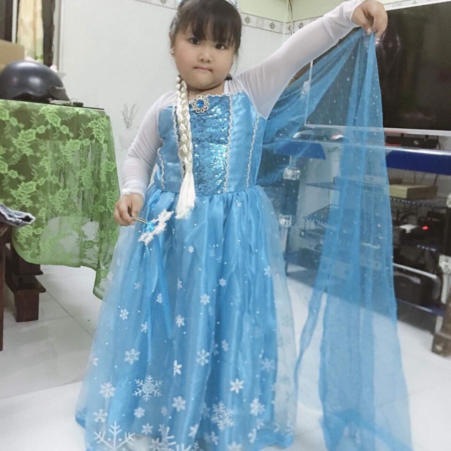 Combo Đầm Bé Gái Elsa Màu Xanh Tay Trắng Và Phụ Kiện (Gậy, Vương Miện, Đuôi Tóc) - HM039X