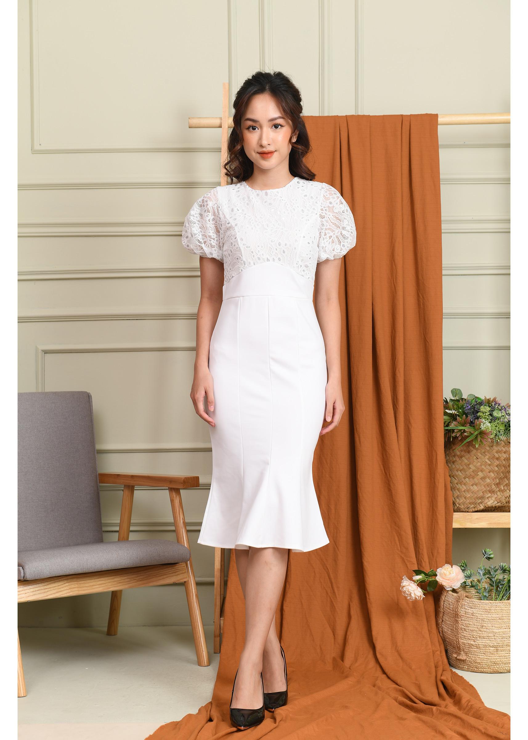 Đầm ôm công sở cổ chéo hoa trắng - 16557301 , 2246622543916 , 62_26169949 , 700000 , Dam-om-cong-so-co-cheo-hoa-trang-62_26169949 , tiki.vn , Đầm ôm công sở cổ chéo hoa trắng