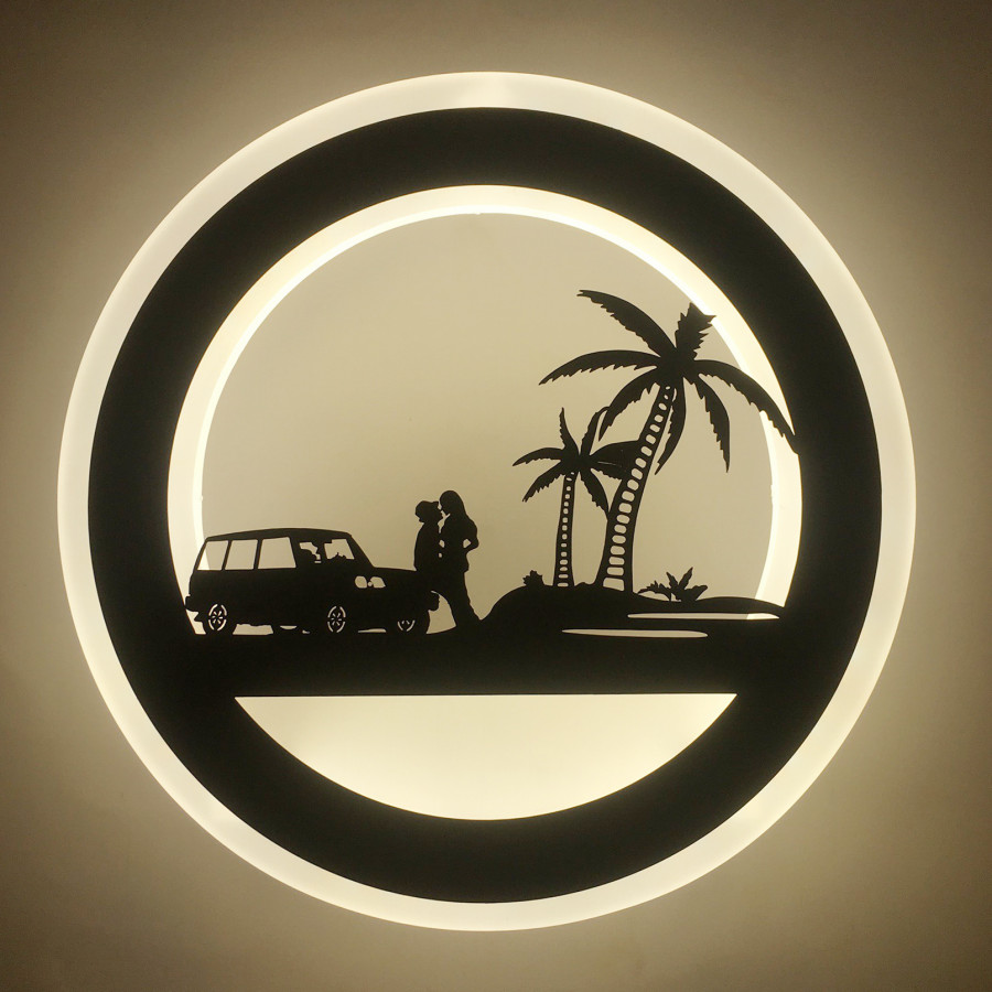 Đèn gắn tường tròn hình cặp tình nhân ngoài bãi biển ( có 3 chế độ màu)