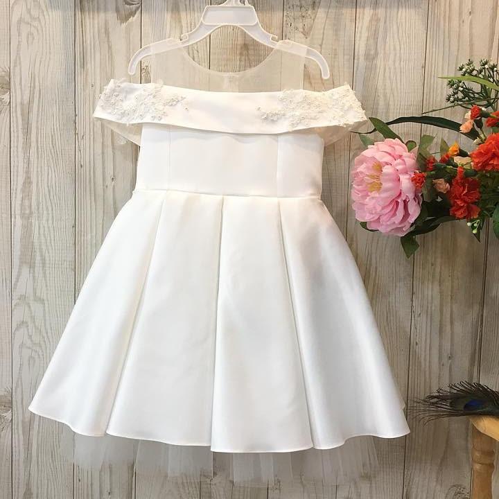 Đầm trắng xòe rớt vai cho bé mã hq699