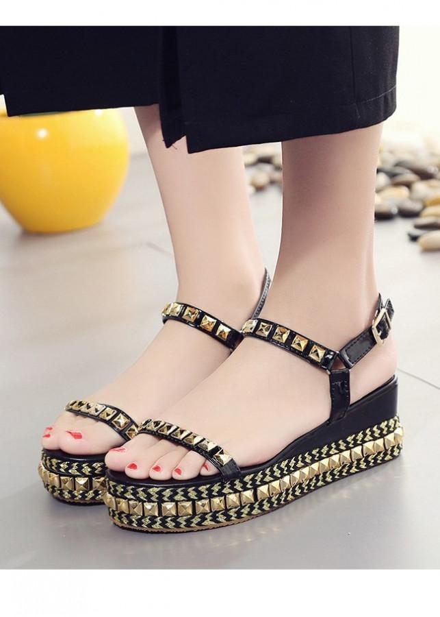 Giày Sandal nữ đế bánh mì cá tính S111