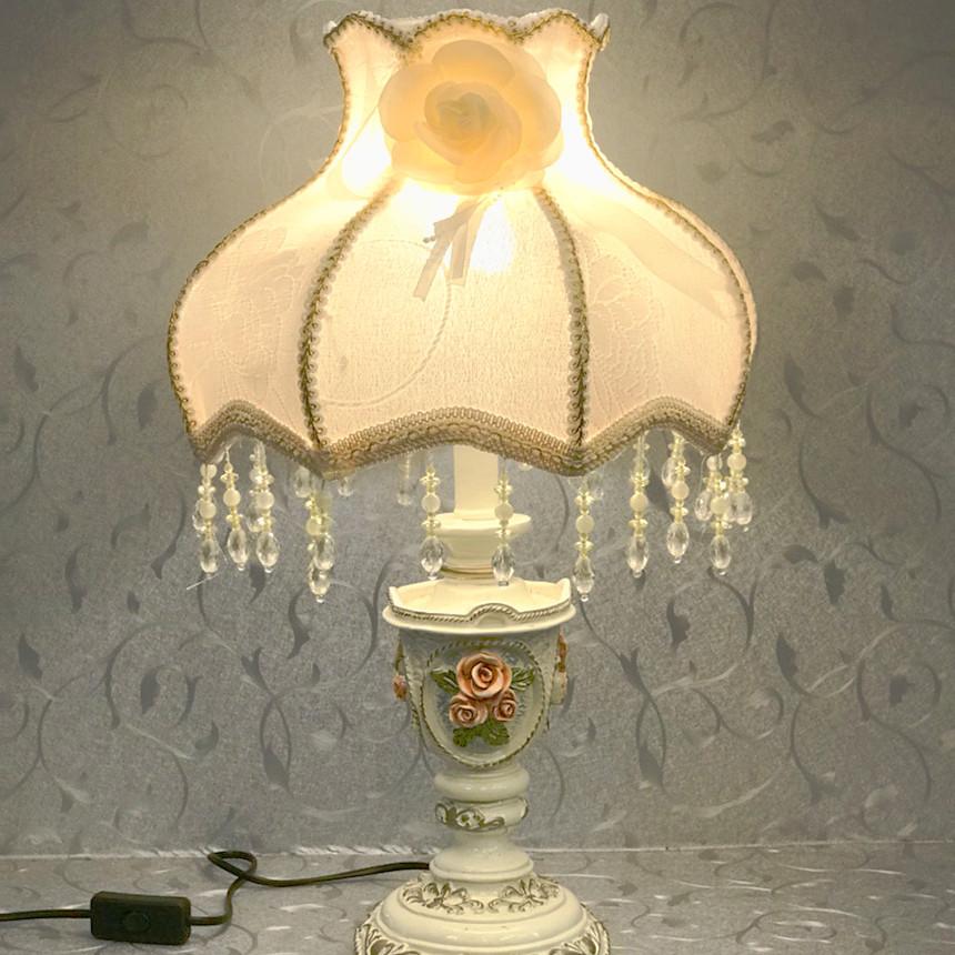 Đèn bàn cổ điển MB8995