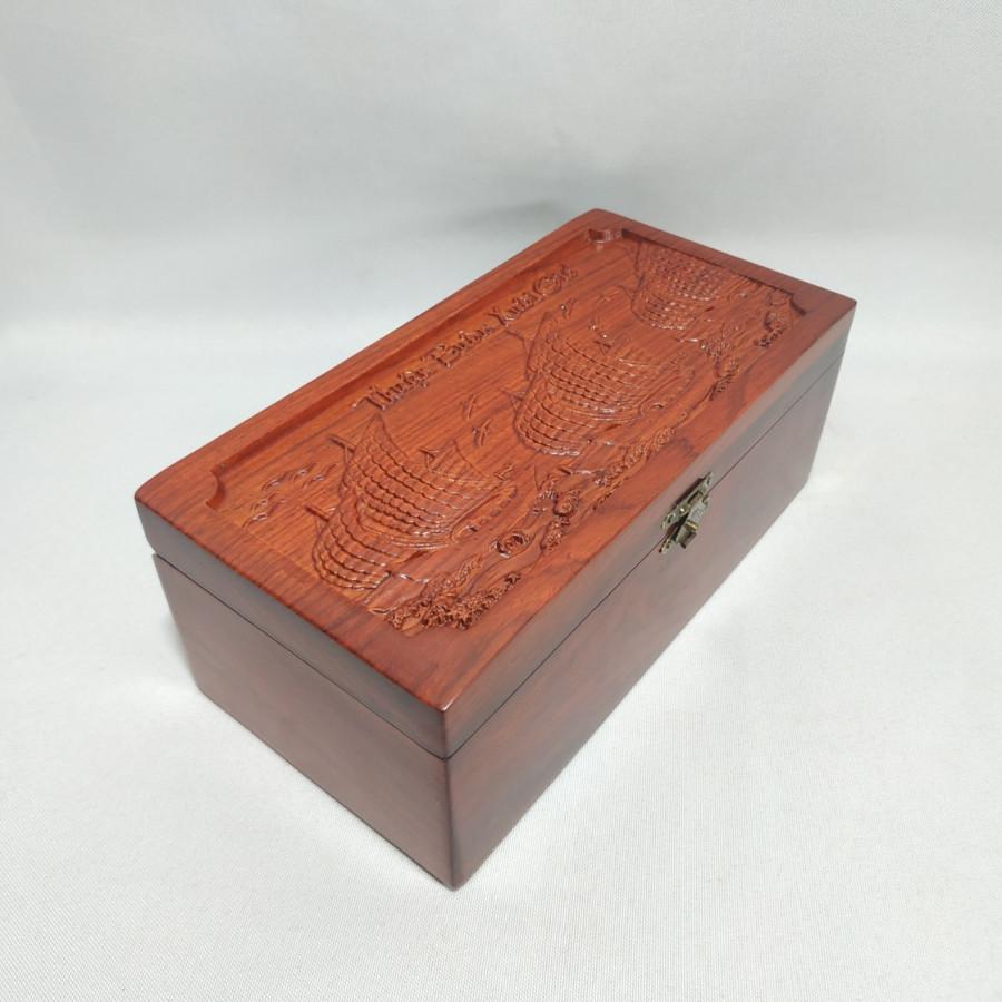 Hộp đựng con dấu - hộp đựng trang sức chạm thuận buồm xuôi gió bằng gỗ hương - size to - 2014910 , 7908412117756 , 62_14901537 , 390000 , Hop-dung-con-dau-hop-dung-trang-suc-cham-thuan-buom-xuoi-gio-bang-go-huong-size-to-62_14901537 , tiki.vn , Hộp đựng con dấu - hộp đựng trang sức chạm thuận buồm xuôi gió bằng gỗ hương - size to