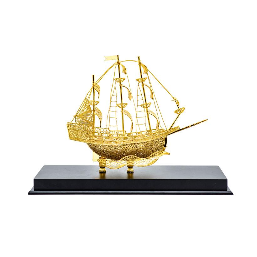 Thuyền buồm phong thuỷ mạ vàng ( size bé )
