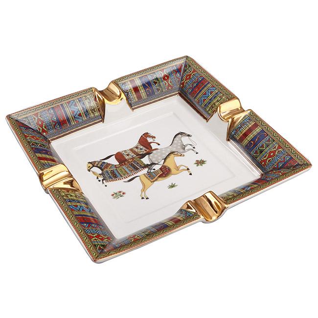 Gạt tàn xì gà gốm sứ 4 ngựa phong cách Châu Âu