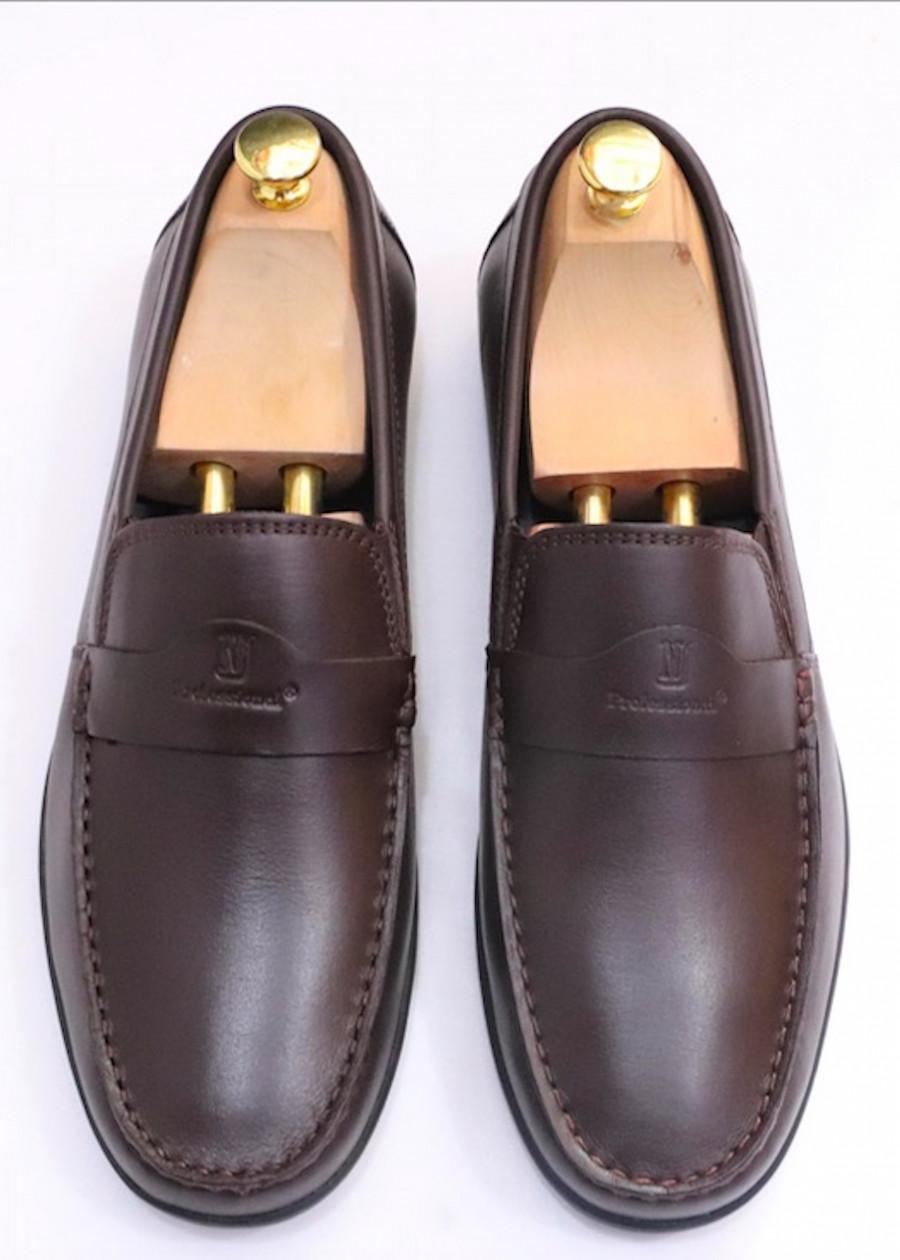 Giày mọi nam da bò cao cấp siêu mềm khoá da ngang màu nâu GMN5839 - 9899084 , 8450760194778 , 62_19640412 , 1290000 , Giay-moi-nam-da-bo-cao-cap-sieu-mem-khoa-da-ngang-mau-nau-GMN5839-62_19640412 , tiki.vn , Giày mọi nam da bò cao cấp siêu mềm khoá da ngang màu nâu GMN5839