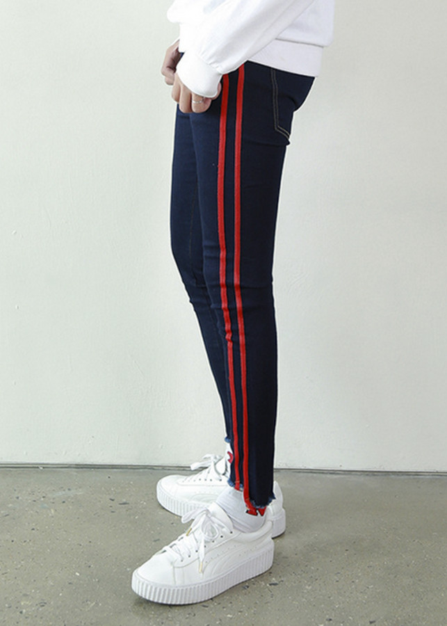 Quần jeans Nam Titishop Phối sọc đỏ QJ271