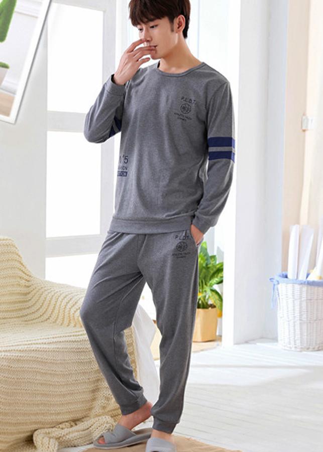Bộ đồ ngủ nam chất liệu cao cấp, kiểu dáng mới lạ 201 - 1997291 , 7025625523799 , 62_11413105 , 598000 , Bo-do-ngu-nam-chat-lieu-cao-cap-kieu-dang-moi-la-201-62_11413105 , tiki.vn , Bộ đồ ngủ nam chất liệu cao cấp, kiểu dáng mới lạ 201