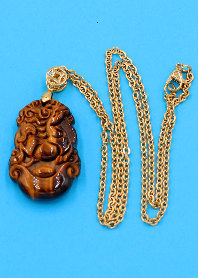 Dây chuyền khắc hình tuổi Ngọ - đá mắt hổ 3.6cm DIVMHCG8 - dây inox  vàng