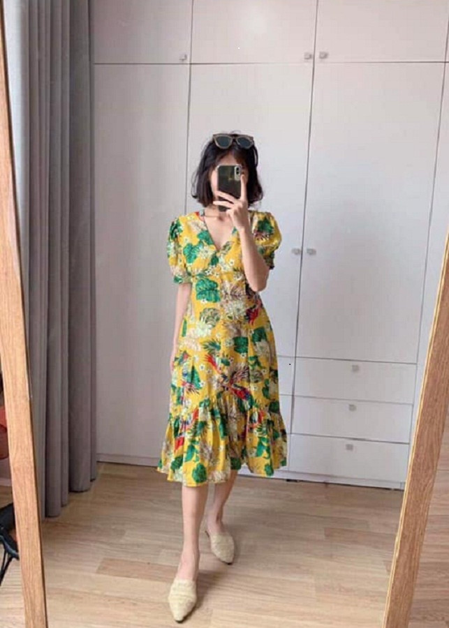Đầm hoa midi xòe