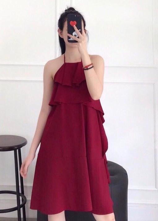 Đầm yếm đỏ