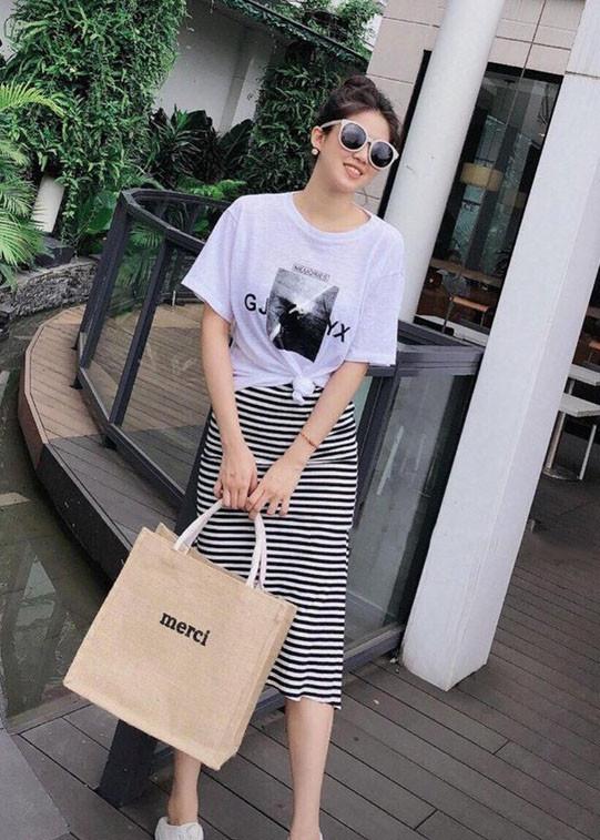 6828005305012 - Set áo phông chân váy kẻ siêu xinh - S1153