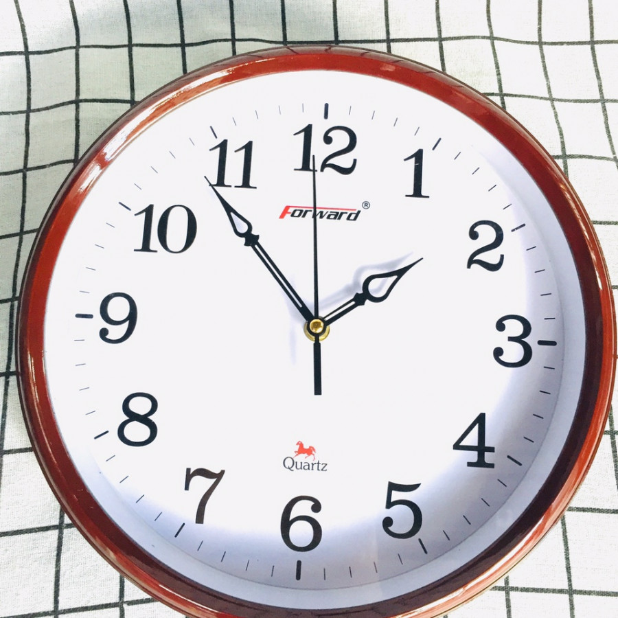 Đồng hồ treo tường P135 - 30cm (màu ngẫu nhiên)