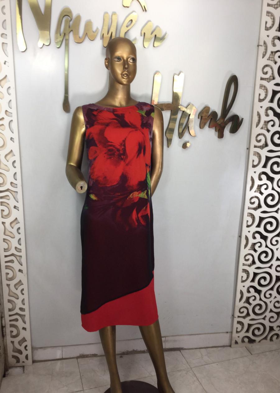 Đầm Suông Giấu Bụng Vạt Xéo Đỏ