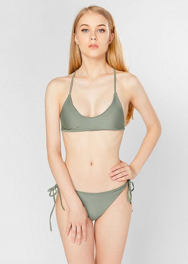 Bikini hai mảnh sexy Peace