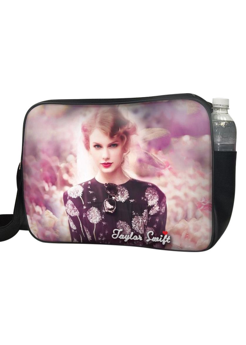 Túi Đeo Chéo Hộp Unisex In Hình Taylor Swift Nền Hoa - TCUP013