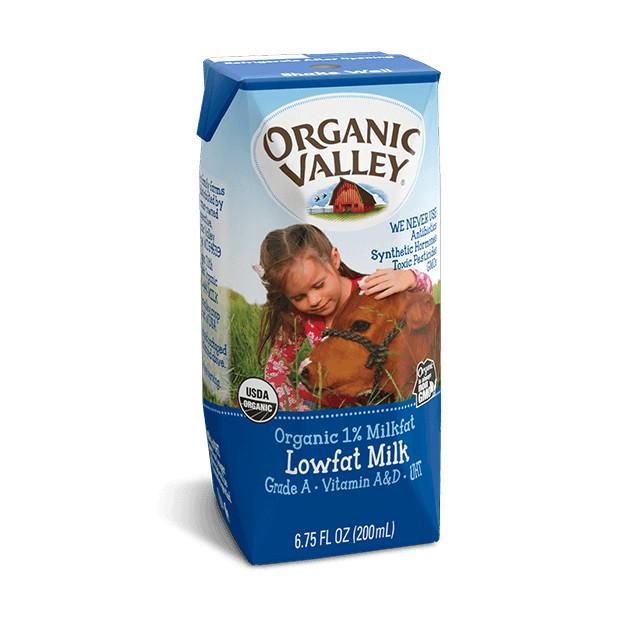 Thùng 24 hộp sữa hữu cơ tách béo Organic Valley (200ml/hộp)