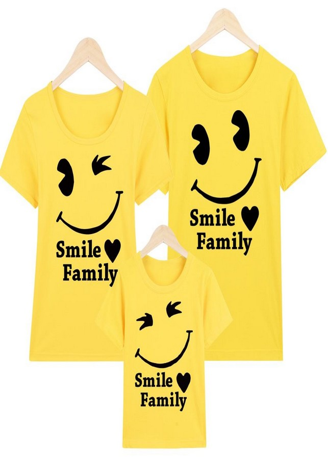 Áo gia đình vàng  smile family large - 2141031 , 9753409803598 , 62_13655912 , 300000 , Ao-gia-dinh-vang-smile-family-large-62_13655912 , tiki.vn , Áo gia đình vàng  smile family large