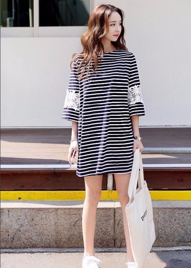 Đầm suông sọc tay viền ren(size