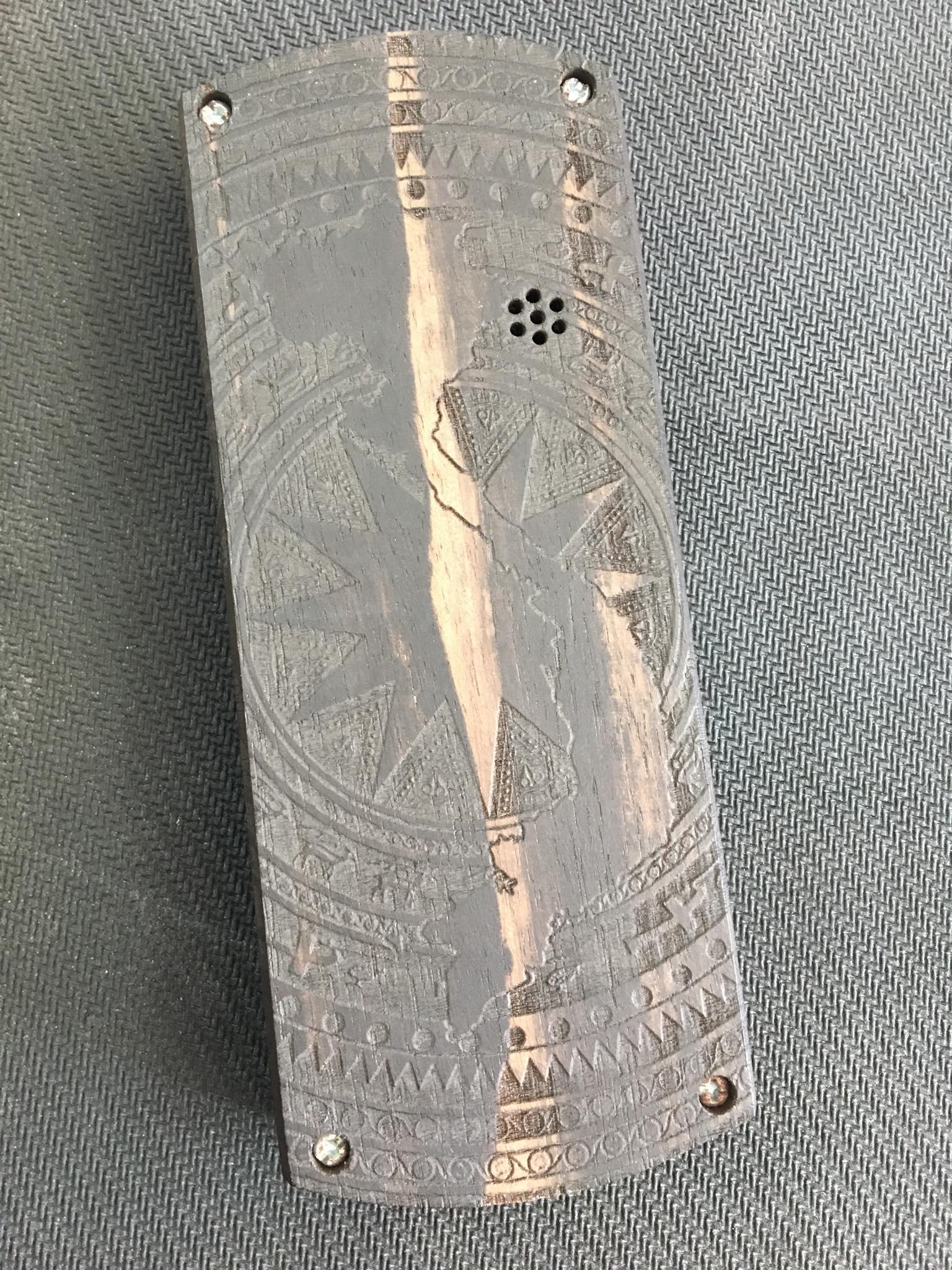 Vỏ gỗ cho điện thoại Nokia 1280 mẫu trống đồng xịn