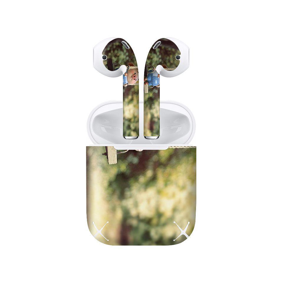 Miếng dán skin chống bẩn cho tai nghe AirPods in hình Heo con dễ thương - HEO2k19 - 044 (bản không dây 1 và 2)