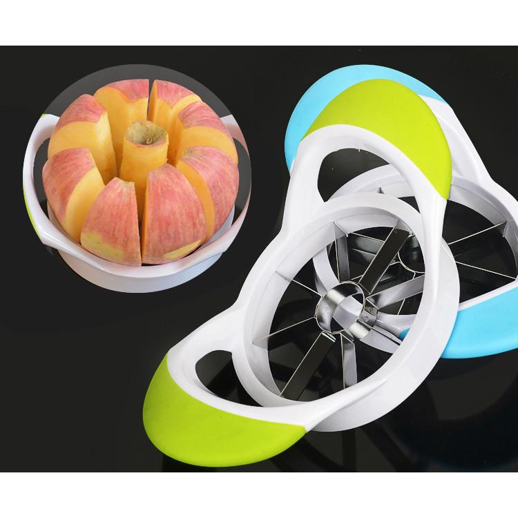 Dụng cụ cắt hoa quả 8 miếng -giao màu ngẫu nhiên