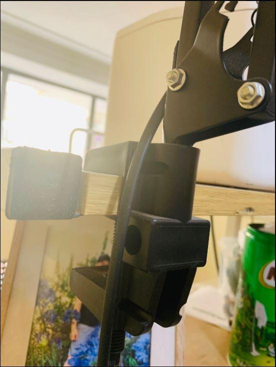 Đèn bàn, đèn học, đèn làm việc GOPPY chống cận thị bảo vệ mắt - kèm bóng LED chuyên dụng.
