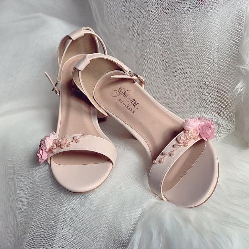 Giày cưới Nghé Art sandal nude hoa hồng ngọc trai 253