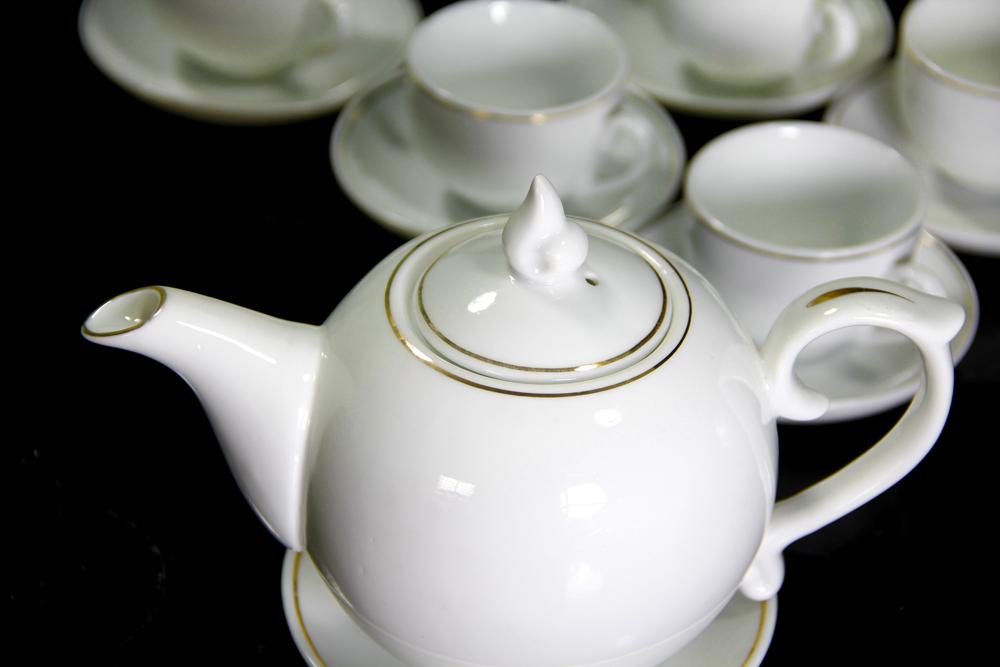 Bộ bình trà sứ Cát Tường Trắng Vẽ Chỉ Vàng Kim 600ml,bộ tách trà