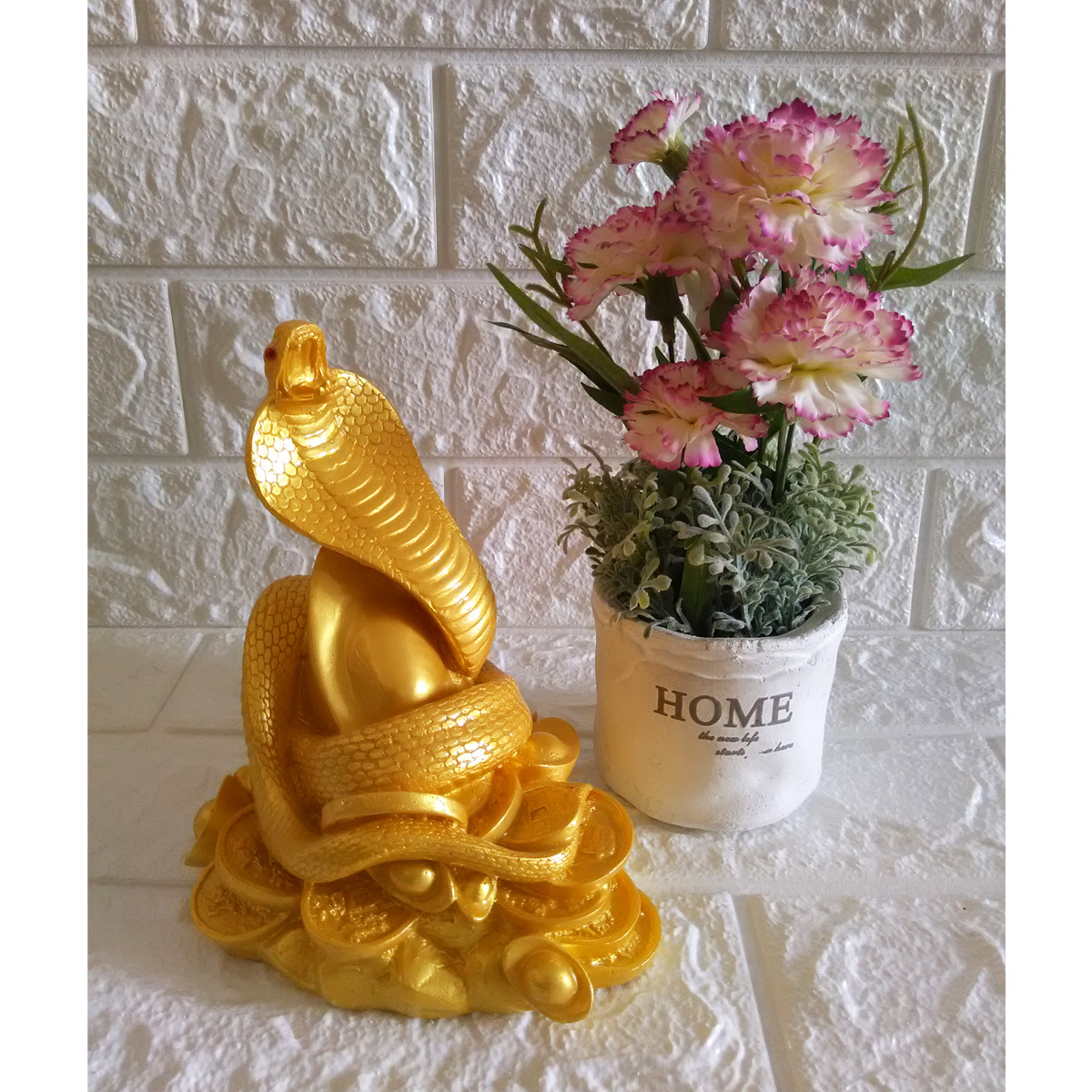 Tượng Đá Trang Trí Rắn cuộn vàng Phong Thủy - Cao 16cm - Màu vàng - RV16