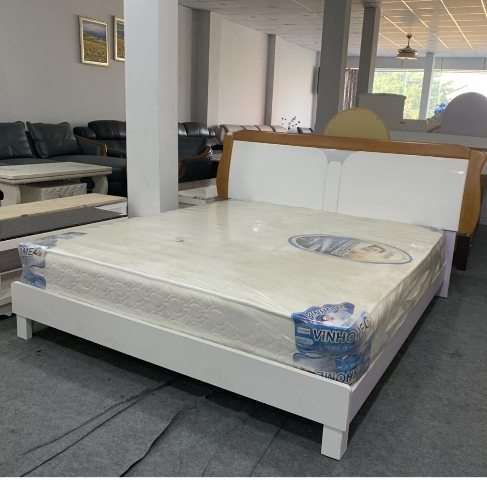 Giường ngủ hiện đại gỗ nhập khẩu BM802 1M8