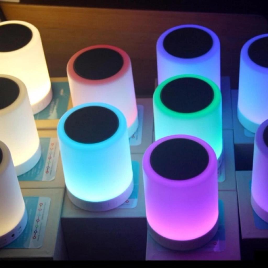 Loa Bluetooth Kiêm Đèn Ngủ , Đèn Led Cảm Ứng Đổi Màu Theo Nhạc -dc2308.