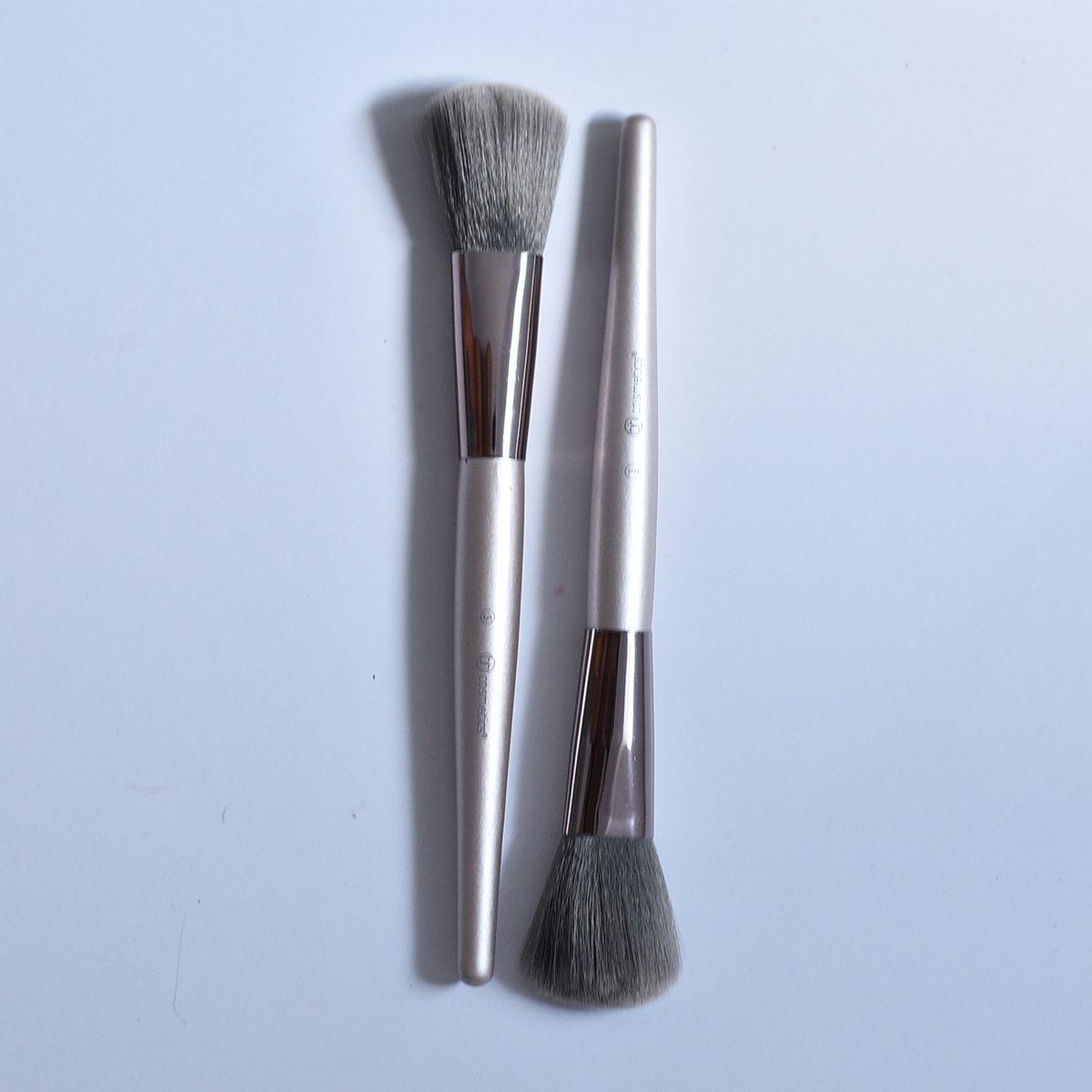 Cọ Má Hồng - Highlight Bh Cosmetics Lavish Số 3