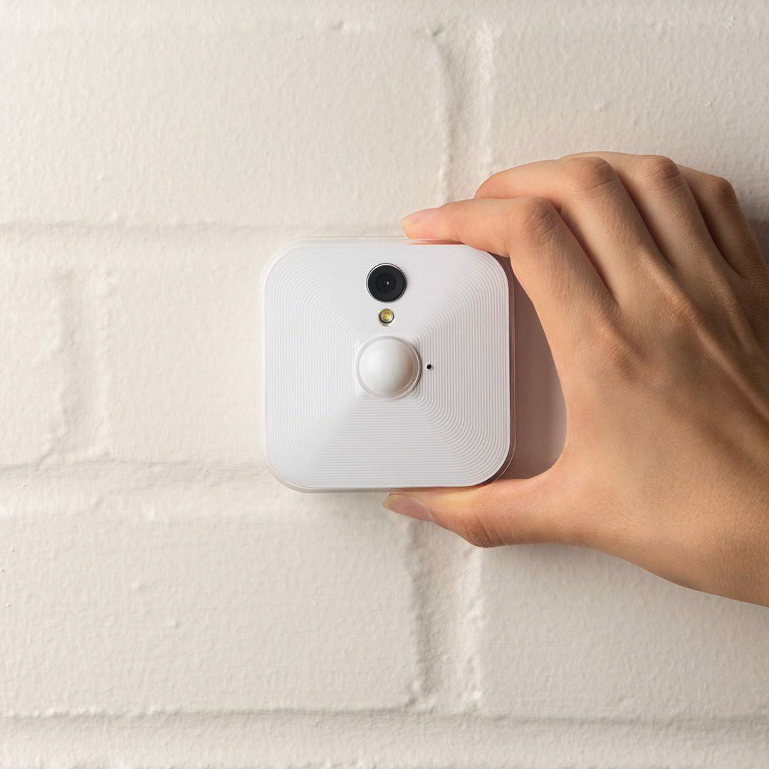 Bộ 5 Camera mini wifi dùng pin thời gian 2 năm, phát hiện chuyển động, Video HD, lưu trữ đám mây Promax Blink - Hàng nhập khẩu