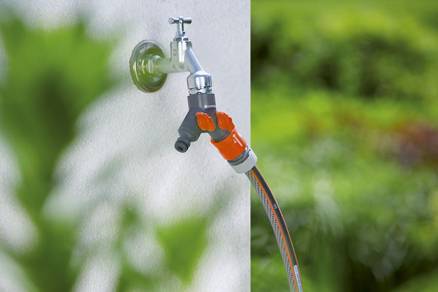Cút nối vòi chia nguồn nước Gardena 00938-20