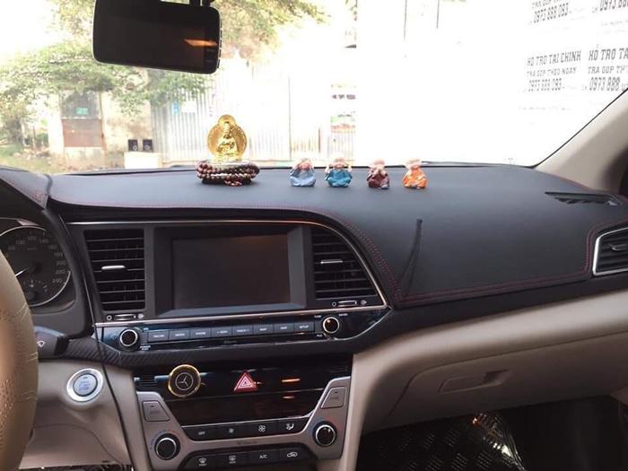 Thảm da Taplo vân carbon Cao cấp dành cho xe Toyota Corolla Altis 2014-2019