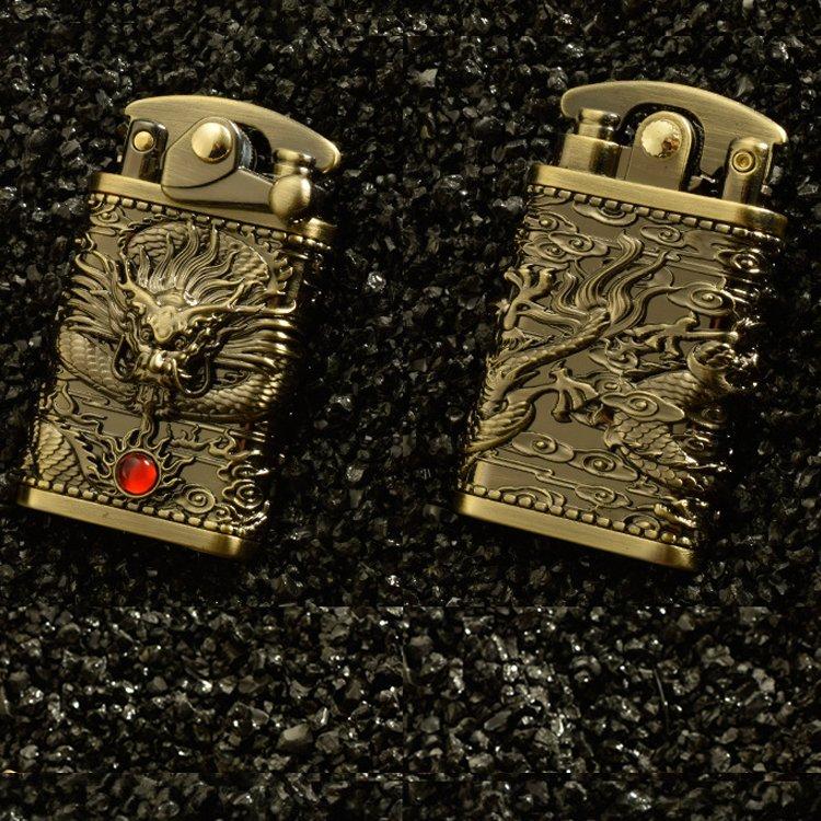 Hột Quẹt Bật Lửa Xăng Đá Z592-608 Đánh Lửa Tự Động Hình Rồng Cuộn Nhả Ngọc May Mắn - Giao Màu Ngẫu Nhiên + Tặng Xăng Bấc Đá Chuyên Dụng Dùng Cho Bật Lửa