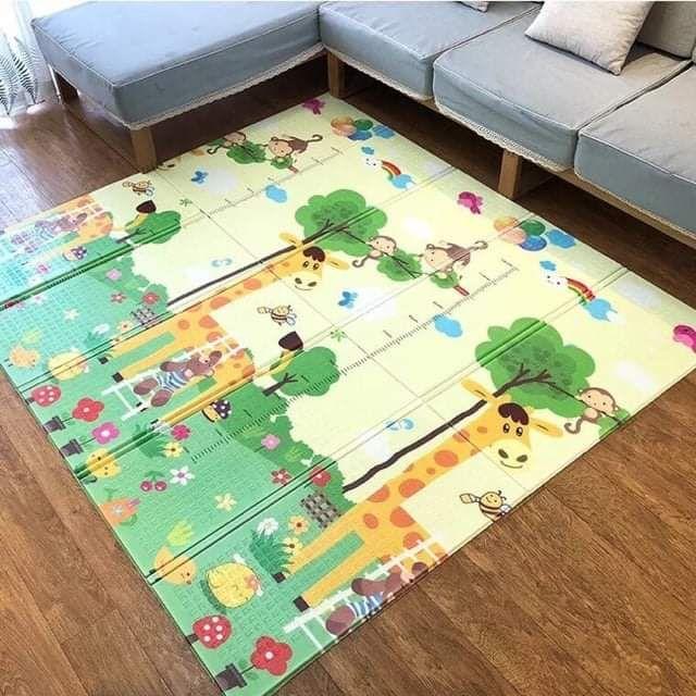 Thảm xốp 2 mặt chống va đập 1.8mx2m hình hươu cho bé