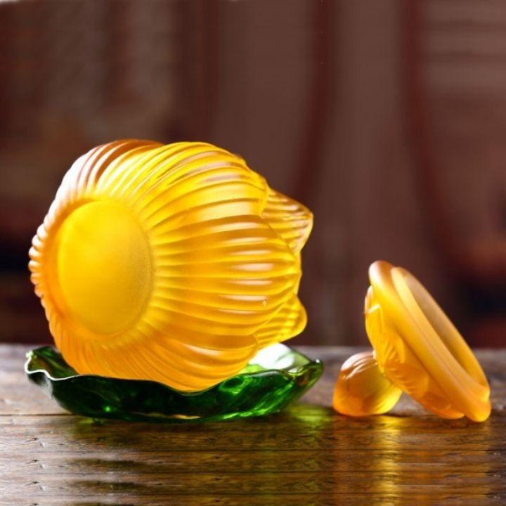Chén sen lưu ly - Cốc đựng nước thờ cúng hình sen