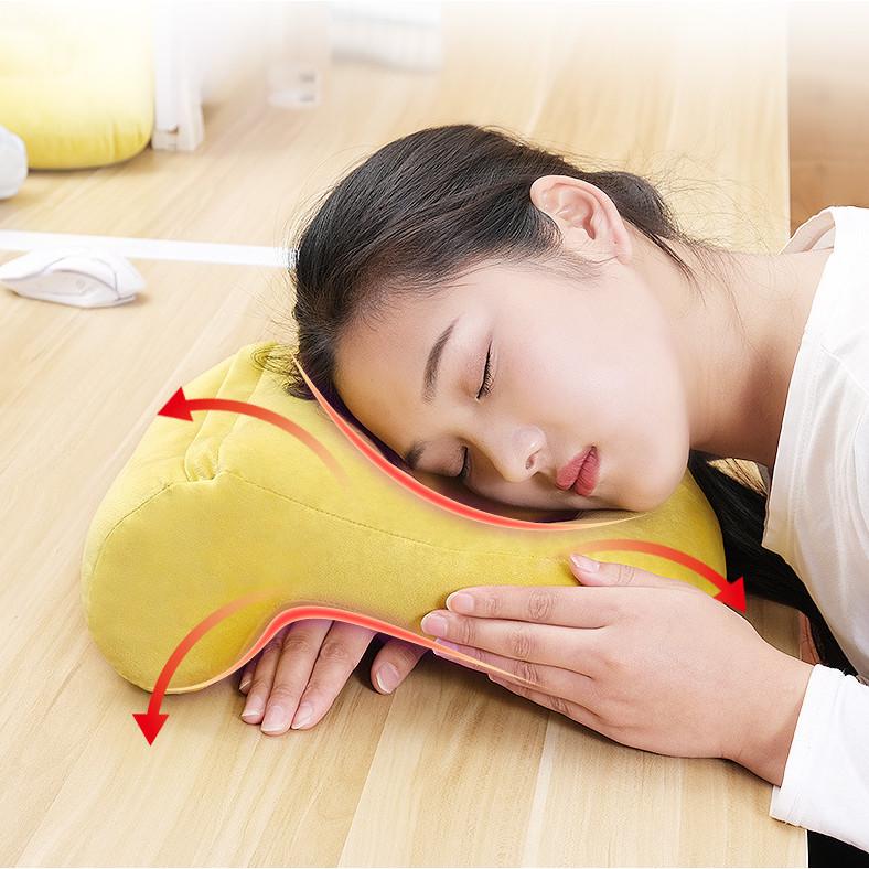 Gối ngủ trưa đa năng cho dân văn phòng không gây đau mỏi gáy cổ