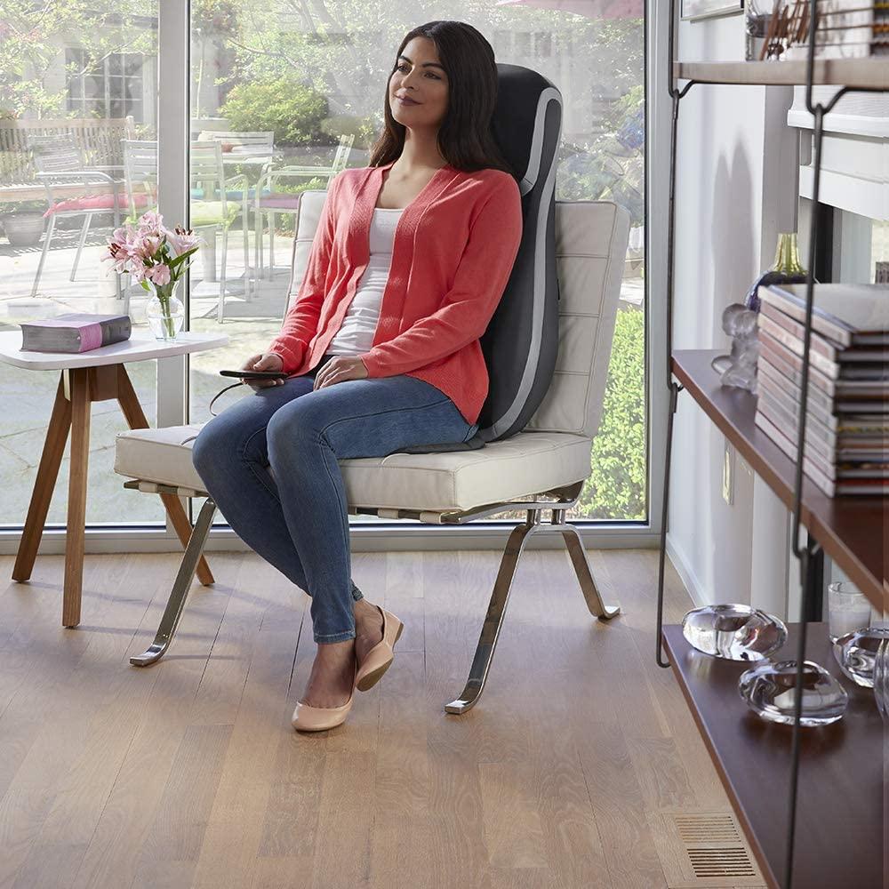 Đệm ghế massage cao cấp công nghệ shiatsu 3D, chức năng tẩm quất HoMedics MCS-847HJ